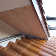 屋根の軒裏の修理
